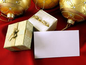 Gift with a note — Stock Photo