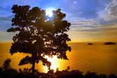 Zonsondergang op een chang eiland — Stockfoto