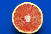 Orange auf blau — Stockfoto