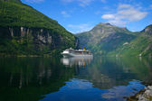 Cruise Ship Geiranger Fjord - Horizontal — Stock Photo