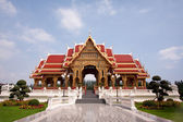 Thai pavilion in the sky is clear. — Stock Photo