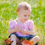 Baby girl outdoor — Stock Photo #4112950