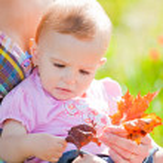 Baby girl outdoor — Stock Photo #4112952