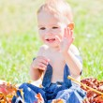 Baby girl outdoor — Stock Photo #4112969
