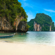A long tail boat by the beach in Thailand — Stock Photo