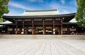 Zen temple under blue sky — Stock Photo