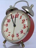 Kırmızı vintage çalar saat 23: 11,55 için ayarla — Stok fotoğraf