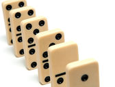 Chain of dominoes — Stock Photo