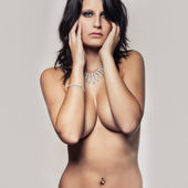 Nude girl with black hair — Stock fotografie