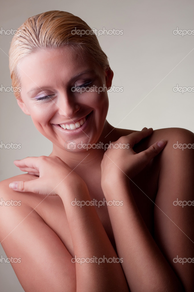Nude blond girl smile — Stock Photo #4338871