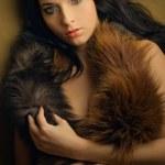 fille glamour attrayant luxure avec boa — Photo