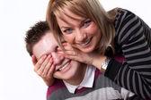 Ung kärlek paret leende — Stockfoto