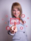 Mujer presionando el botón de error — Foto de Stock