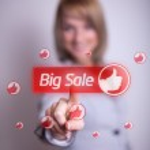Woman hand pressing BIG SALE button — Stock Photo #5280360