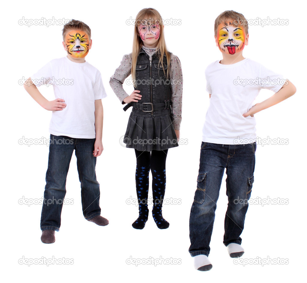 Are two boys and one girl with drawings of faces — Stock Photo #4833821