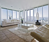 Massive living room with chunky white sofas — Stockfoto