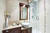 En-suite bathroom — Stock Photo