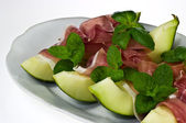 Prosciutto con melone — Stock Photo