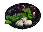 Red onions and garlic — Stock Photo