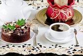 Christmas cake and coffee — Stock Photo