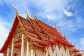 Asiatiska tempel och vacker himmel — Stockfoto