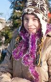 Usmívající se dívka v zimním období — Stock fotografie