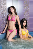 Mädchen im massagebad — Stockfoto