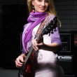 Woman guitarist — Stock Photo