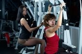 Girl in fitness center — 图库照片