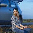 Young Blond Woman With Her Broken Car — Stock Photo