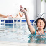 Young woman near pool — Stock Photo