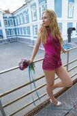 Menina com buquê — Foto Stock