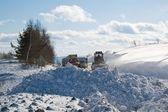 Iş yerinde kar temizleme aracı — Stok fotoğraf