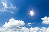 Sun cloud and blue sky — Stock Photo