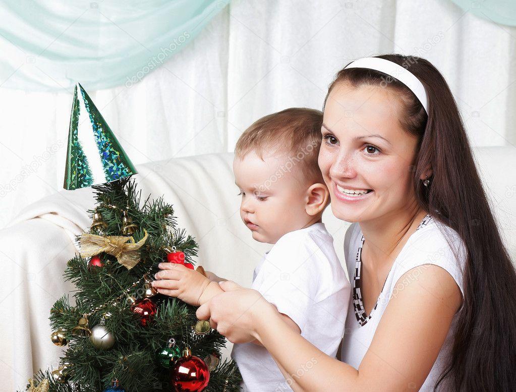 Сын и мама снимают 23 фотография