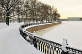 The granite embankment covered with snow, St. Petersburg — Stock Photo