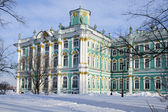The Hermitage, St. Petersburg. Winter sunny day, snow — Stock Photo