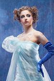 Mooi meisje als sneeuw wit — Stockfoto
