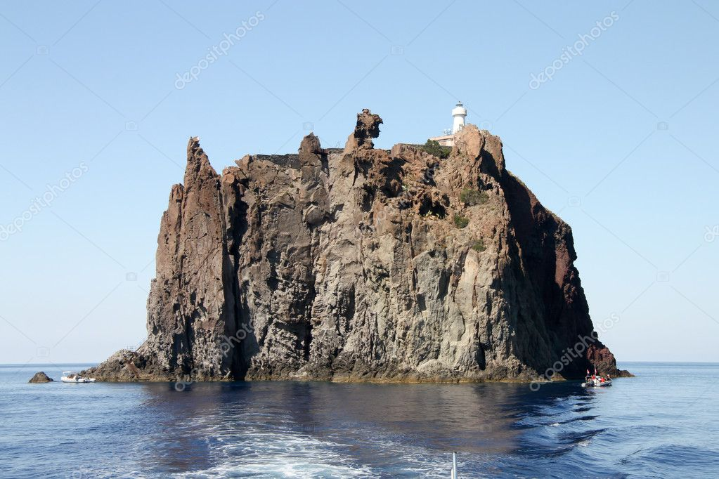 Aeolian Island in Tyrrhenian sea near Stromboli, south Italy — Stock Photo #4001861