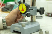 Dial gauge on measuring stand — Stock Photo
