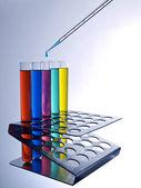 Test buizen en pipetteer — Stockfoto