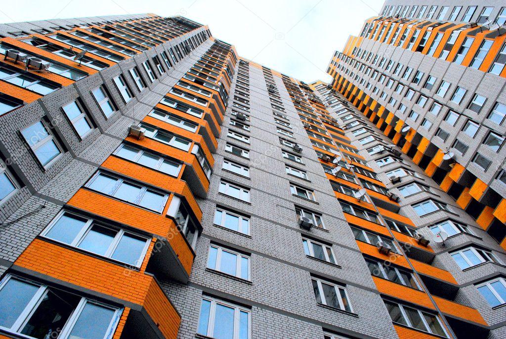Высотные дома дома с большими балконами фото.