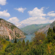 Stockfoto: Colorful mountain lake