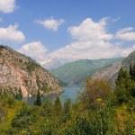 Красочные горное озеро — Стоковое фото