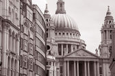 St Pauls Cathedral Church in London — Stock Photo