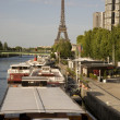 Eiffel Tower and the River Seine, Paris — Stock Photo