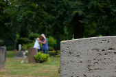 Mourning at the grave — Stock Photo
