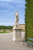 Statue in Schonbrunn garden — Stock Photo