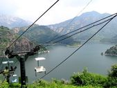 канатная в китае. озеро yansaj — Стоковое фото