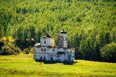 Eski kilise kalıntıları. Doğu Sibirya. Rusya — Stok fotoğraf
